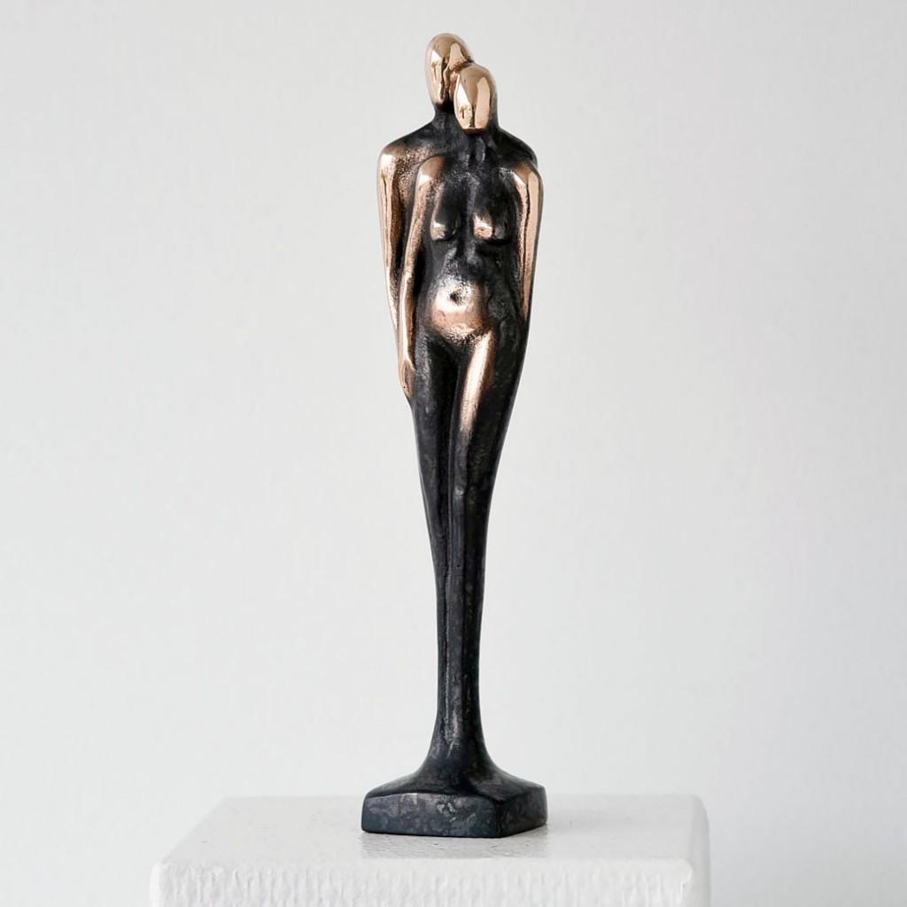 Tryghed Bronze 24 cm Kr 1.500 (€ 201)