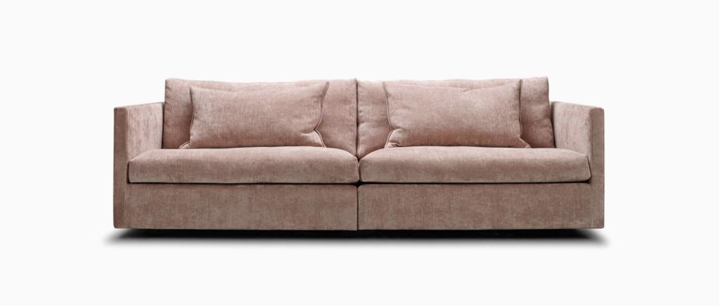 Eilersen Box Sofa, DKK 32.483 (inkl stof og puder)