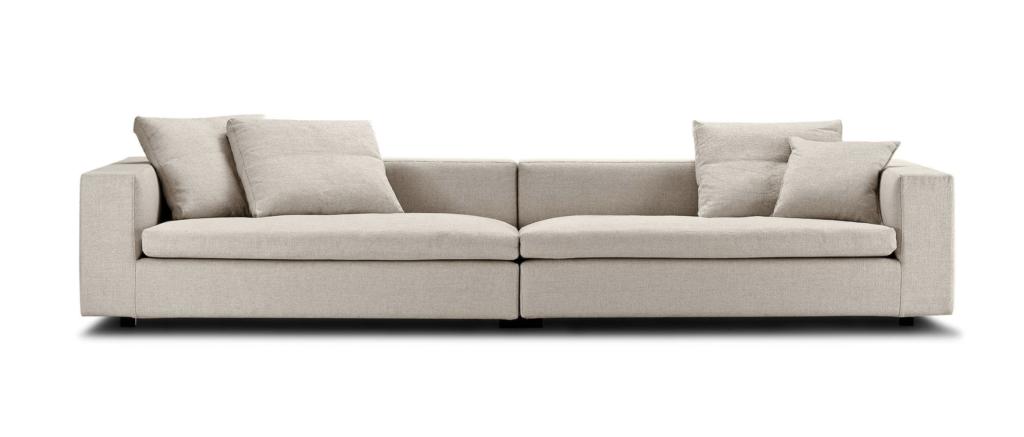 Eilersen Cube Sofa, DKK 37.558 (inkl stof pg puder)